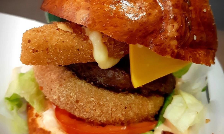 3sajtos Burger steakburgonyával